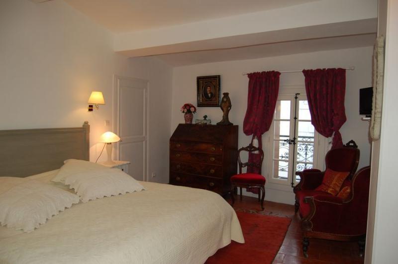La Maison de Rose 'Chambre ELISE', location de vacances à Neffiès