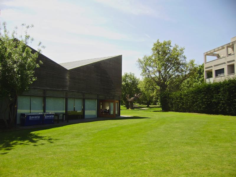 Restaurante Casa Club con vistas al campo de golf