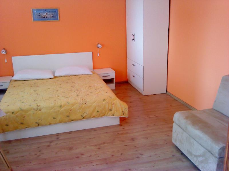 Apartment Zlarin, vacation rental in Srima