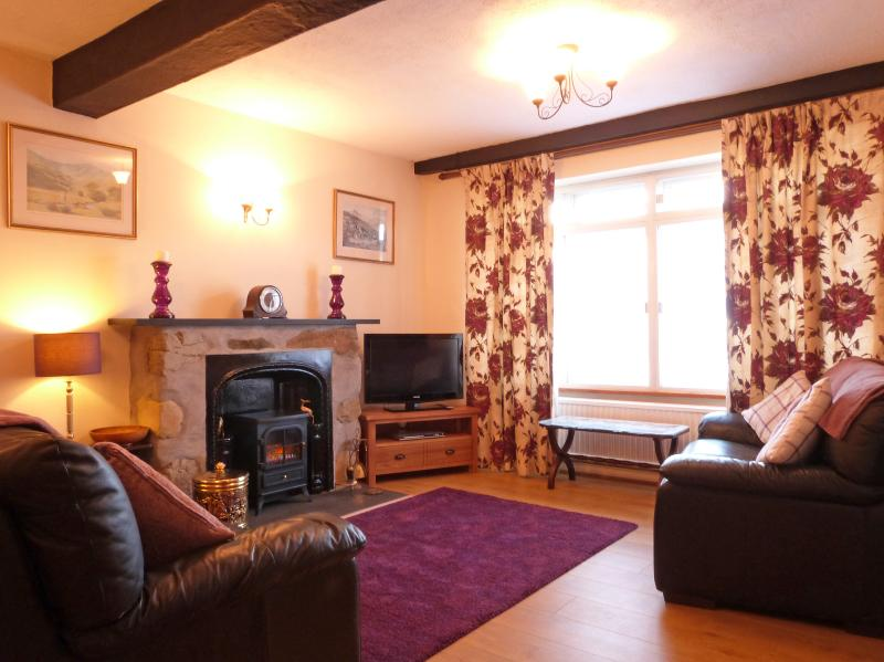 Walking distance to restaurants, cafes and shops & on the foot of Cader Idris.