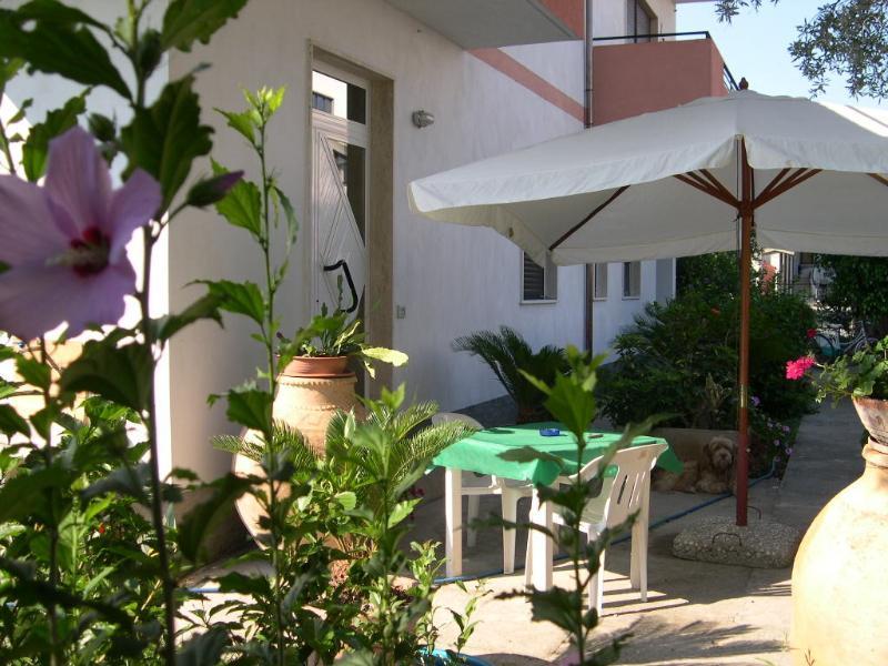 Monolocale arredato, holiday rental in Gioiosa Ionica