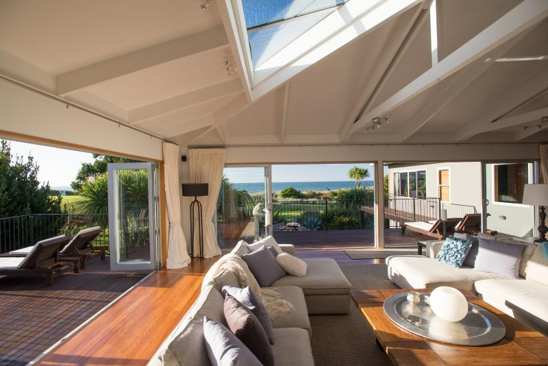 Views in every direction from the stunning main living space