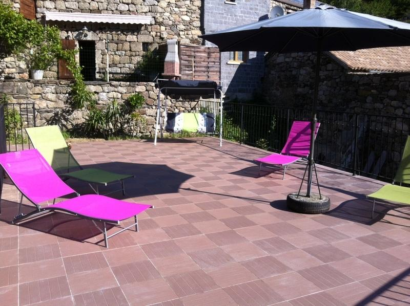 terrace of 60M 2 equipped for the farniente and tanning