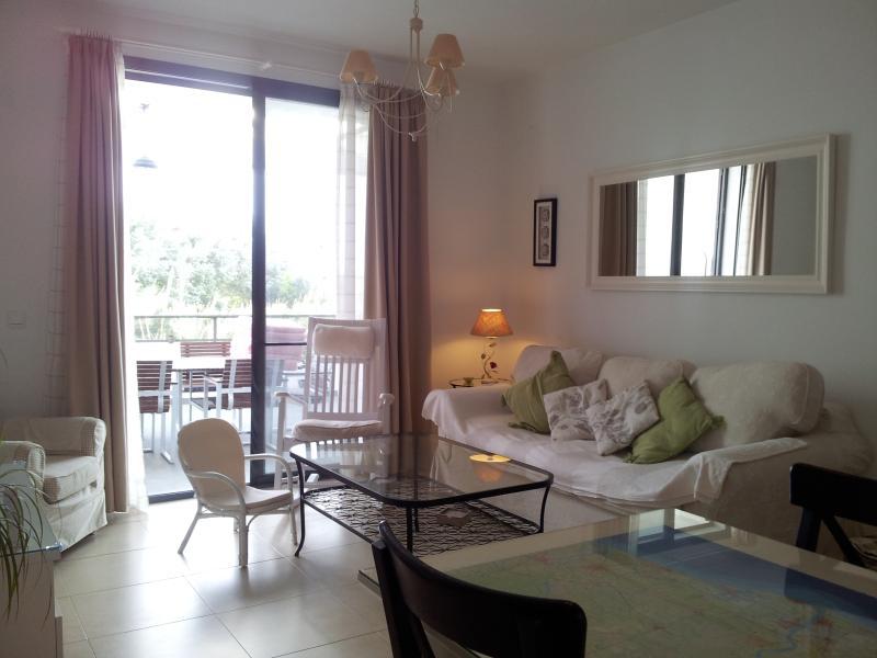 Apartamento en La Redondela, con playas tranquilas, aluguéis de temporada em Isla Cristina