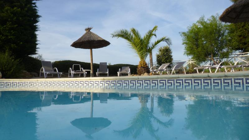 SWIMMING POOL OPEN FROM 10 H TO 9 H