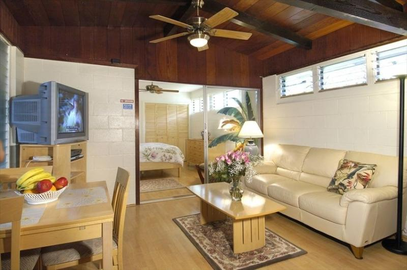 Tradewind Bungalow In Kailua On Oahu Has Air Conditioning