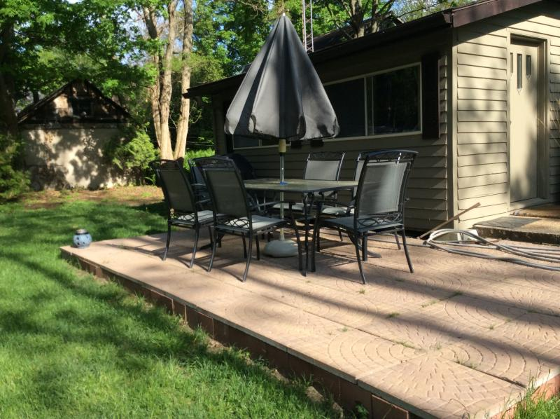 Patio, BBQ and firepit