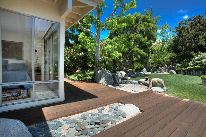 Master Bedroom looks out onto Japanese garden