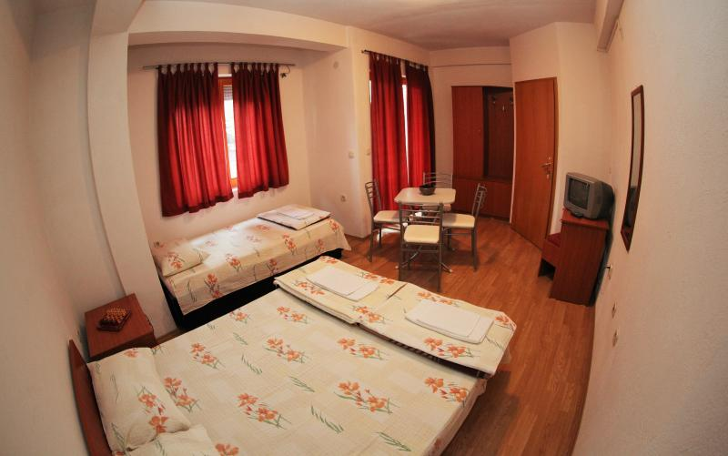 Bakal Apartments, holiday rental in Kalista