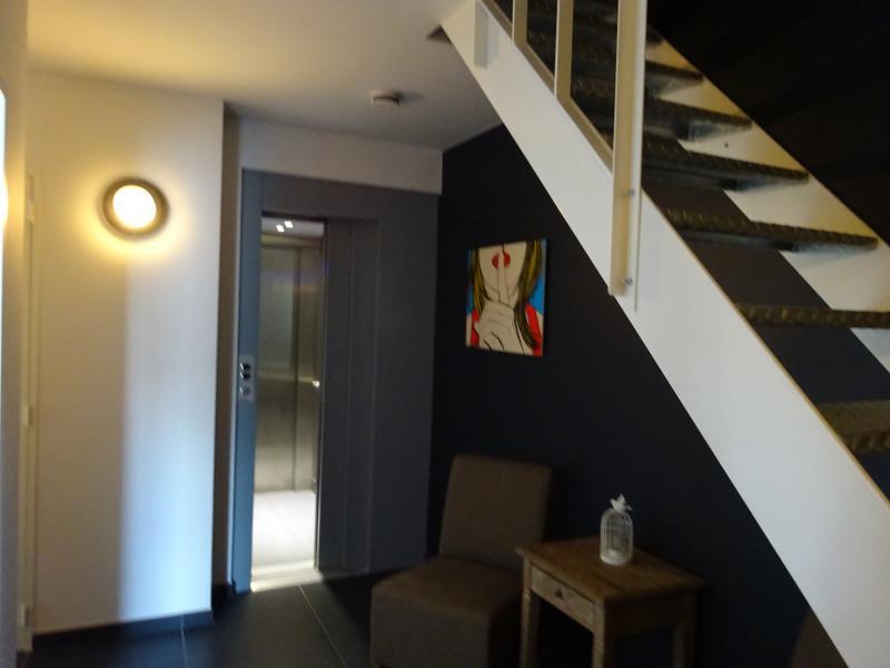 Iepermarketsquare loft has wi fi and balcony updated 2019