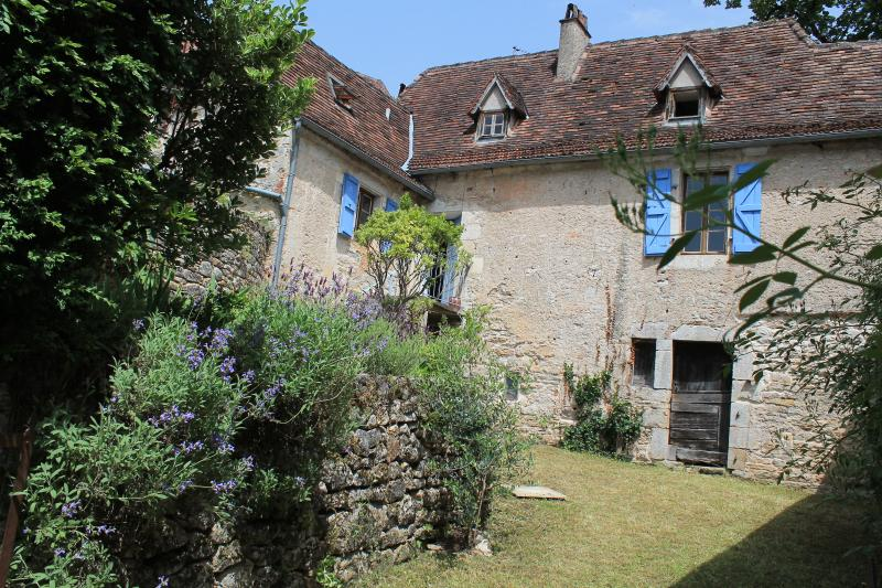 La Maison D'Anna St Sulpice sur Cele, alquiler vacacional en Lot