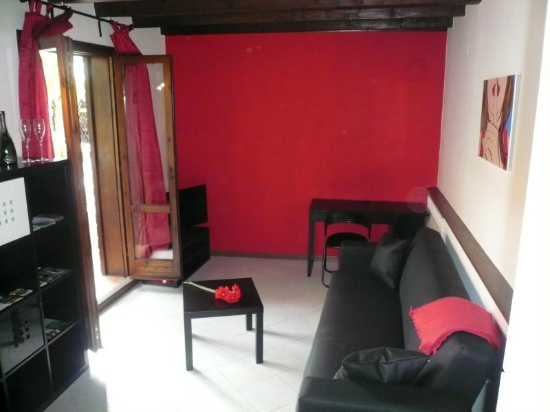 APPARTAMENTO OASI RED, vacation rental in Toscolano-Maderno