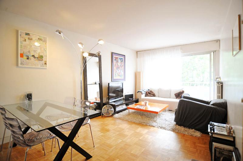 LA FONTAINE, holiday rental in Pantin