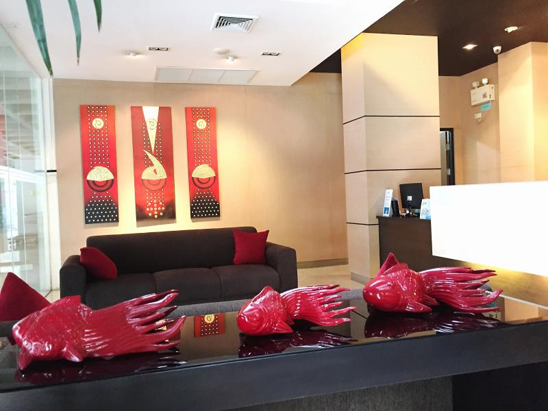 Stylish lobby with concierge service, CCTV and 24hr security