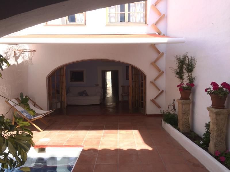 magnifica casa con piscina en Ciudadela, vacation rental in Ciutadella