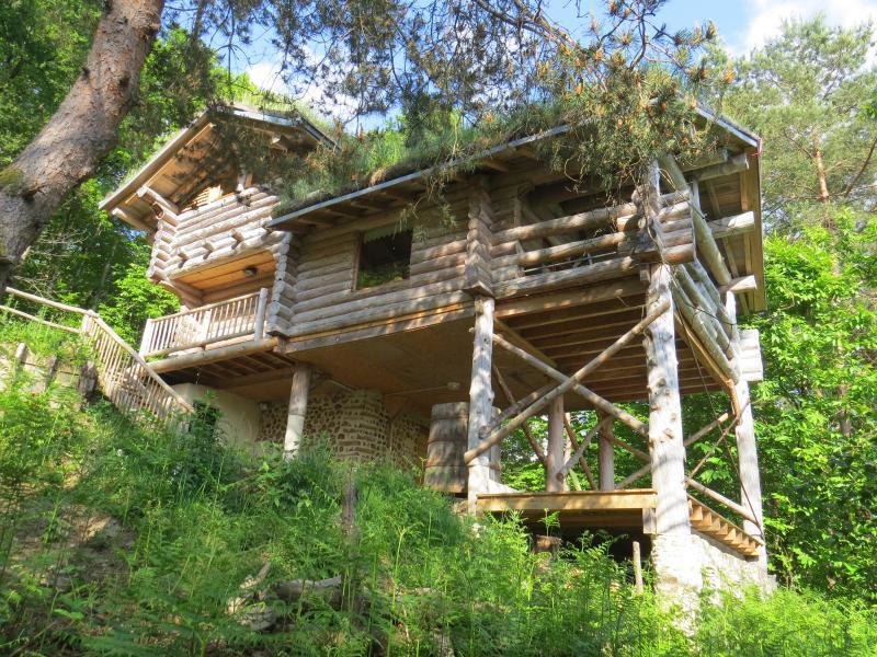 cabane dans les Bois - La cabane de Hans ***, holiday rental in Gros-Chastang