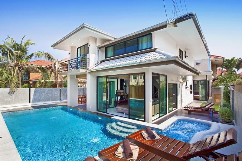 overall of Vichy Villa Pattaya