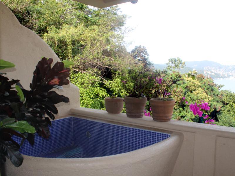 Refrigeração banheira (tomar um refrescante mergulhe com uma margarita ou simplesmente apreciar a vista)