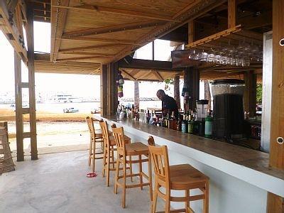 Nuevo bar de la aldea de pesca