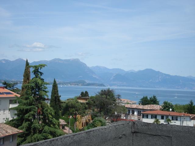 Vista lago zona centrale, casa vacanza a Rivoltella