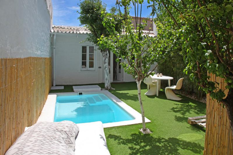white house, vacation rental in Barcelona