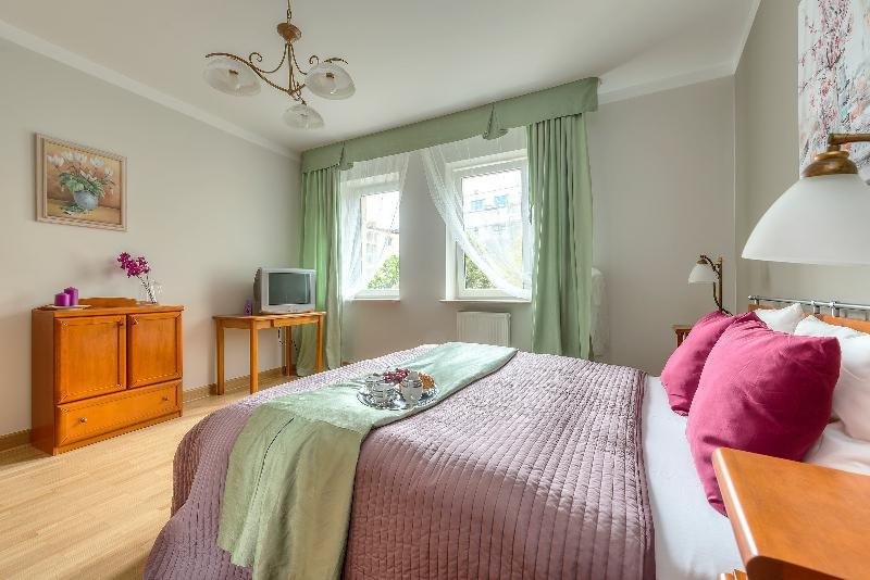 Spacius apartment in the city center TAMKA, vacation rental in Warsaw