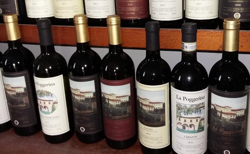 la cantina sotto casa produce e vende ottimi vini e olio.
