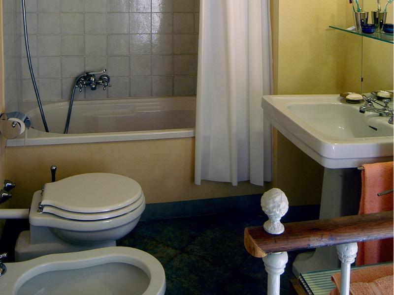 bath with bath tub