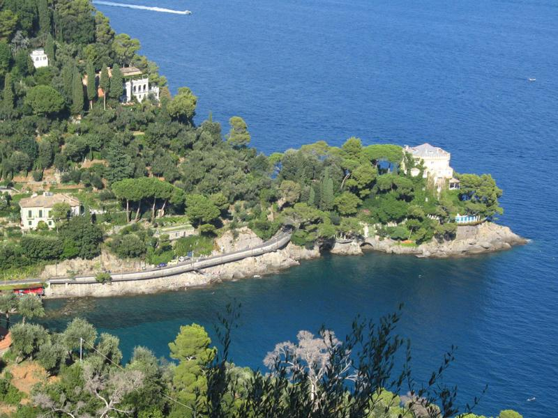 Paraggi bay and castle