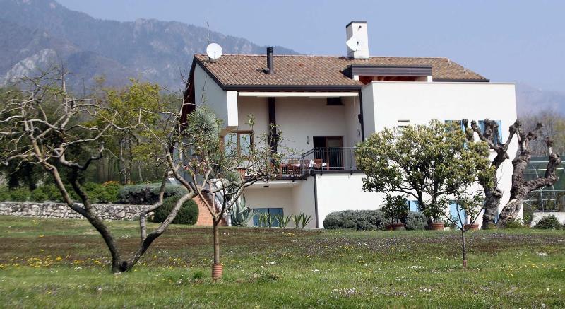 La vista della casa dal parco
