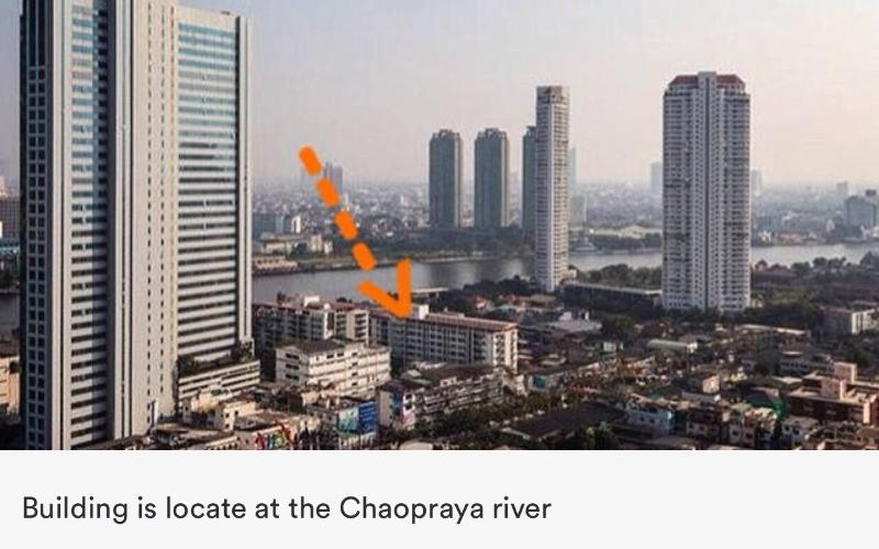 Building is locate on Chaopraya river