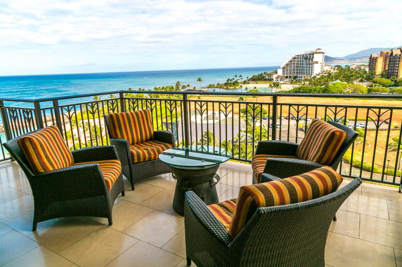 Gorgeous Ocean and Lagoon Views from Lanai
