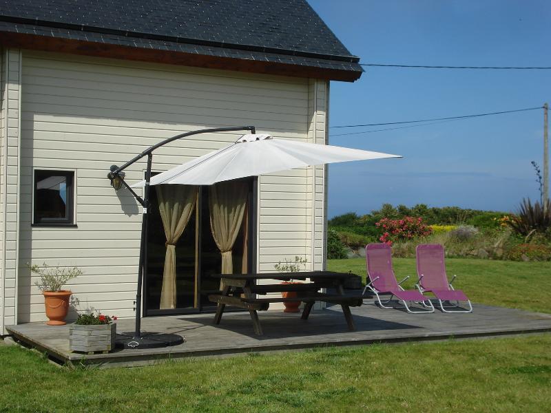 Transats et parasol, et profiter du soleil en toute quiétude...
