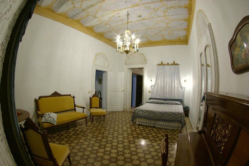 le foglie di acanto camera delle rondini, vacation rental in San Paolo di Civitate
