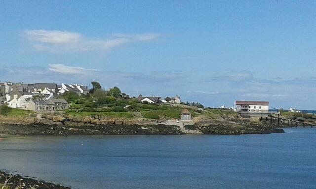 From the coastal path towards Traeth Bychan