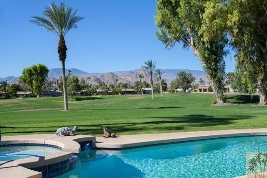 PALM SPRINGS - GOLF COURSE VILLA w. VIEWS PRIVATE SALTWATER POOL -from $99/Night, vacation rental in Palm Desert