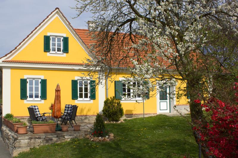 Ferienhaus-Planetz, holiday rental in Bad Tatzmannsdorf