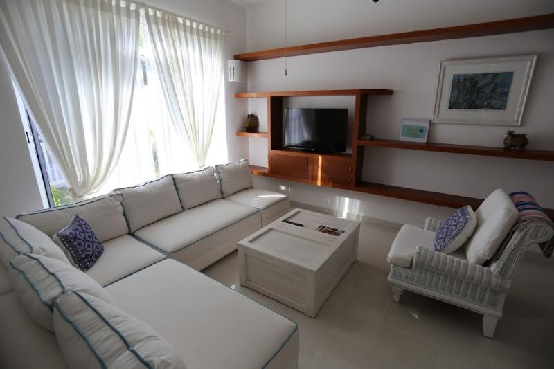 Casa Colibri's Delightful & cool living area - wifi, internet tv, international phone