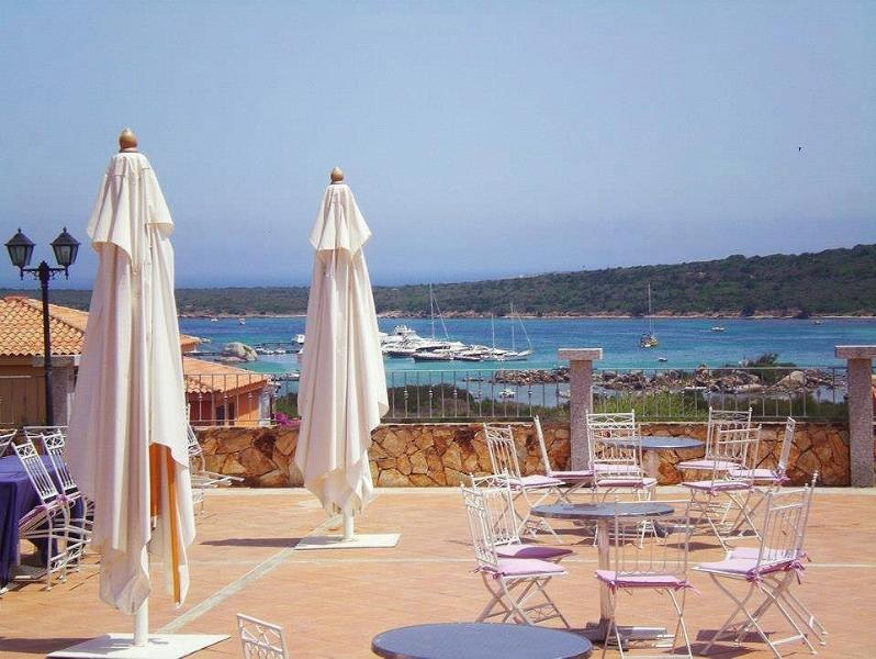 glimpse the terrace bar-restaurant, also here for your breakfasts