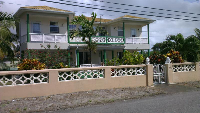 Tremont, holiday rental in Oistins