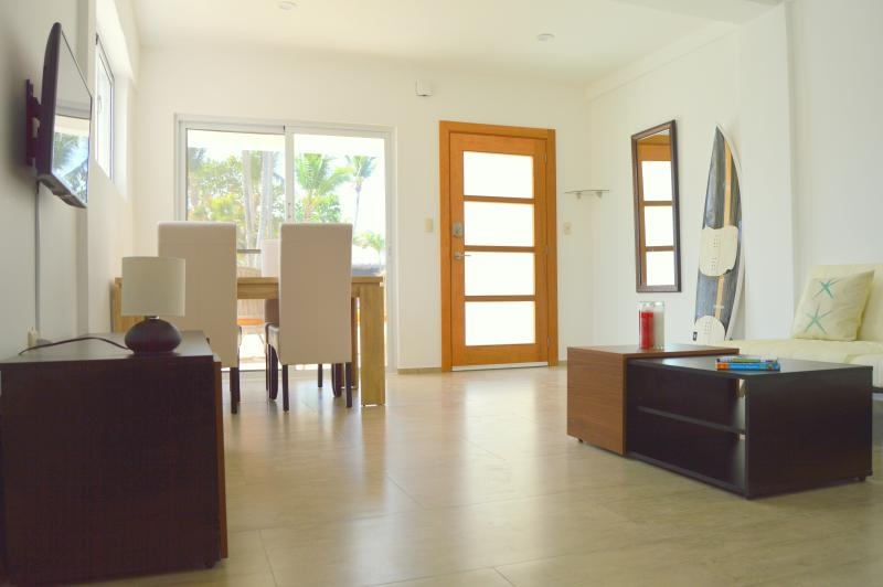 Living room - dining table, 4 chairs, double sofa bed,flat screen TV, wifi, lots of natural light