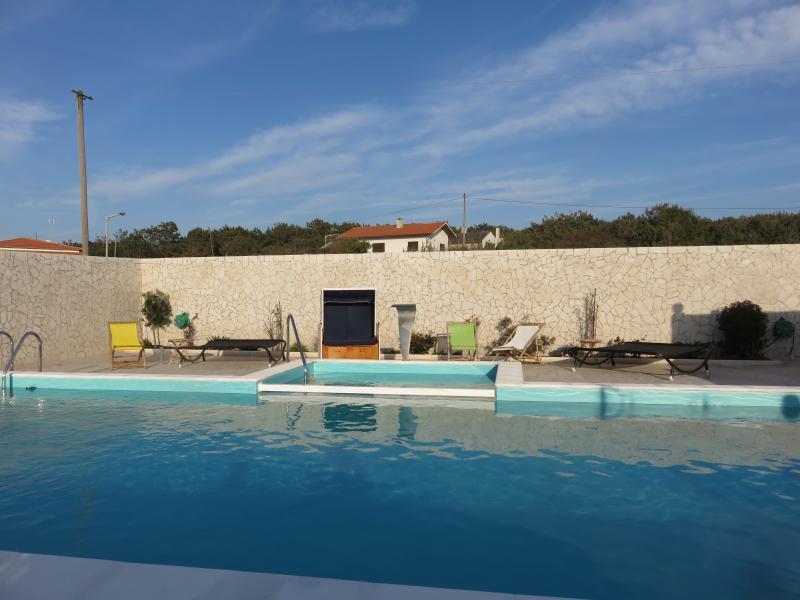 Wohlfühl-Oase pur - die Pool-Landschaft der Casa da Mina