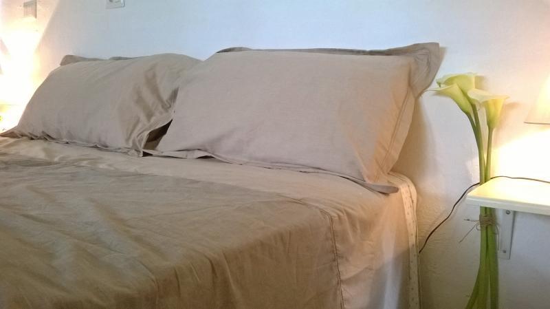 Schlafbereich mit King-size-Bett