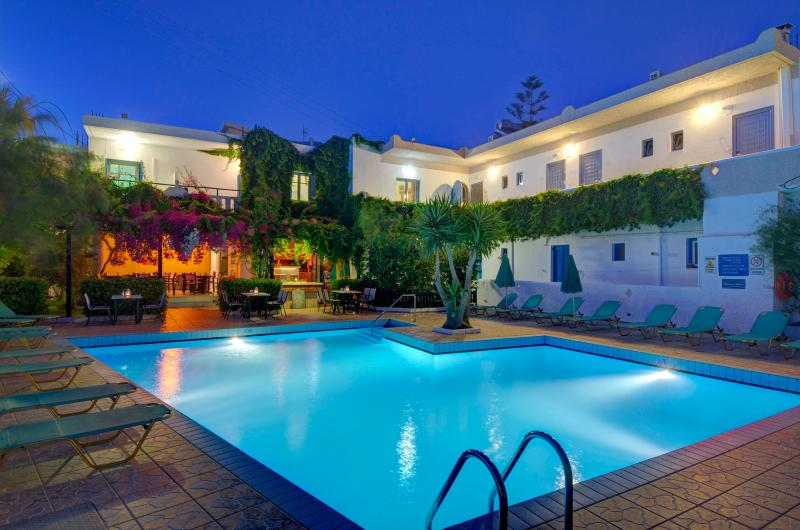 Chrysoula Apartment, holiday rental in Mariou