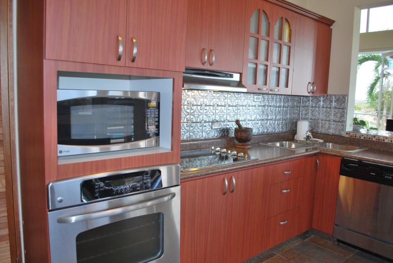 fully appliance kitchen includes dishwasher& GE appliances