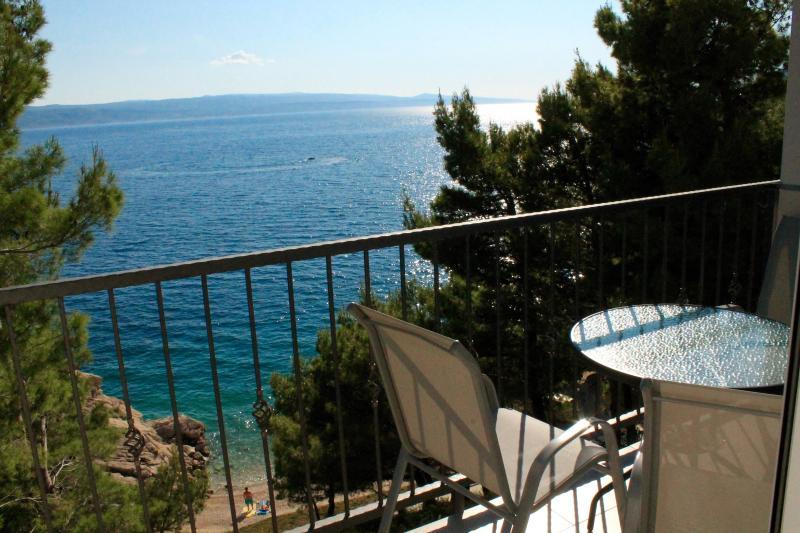 Brand new sea view 2+2 Apartment Vix, alquiler de vacaciones en Brela