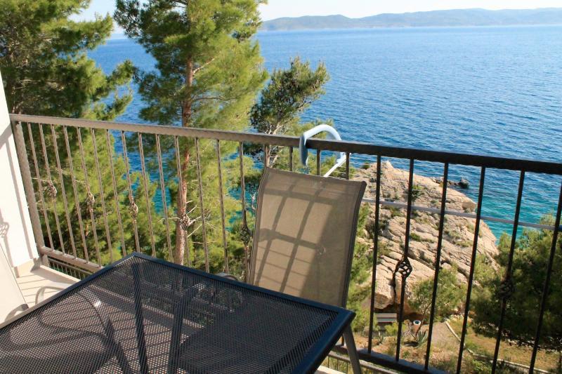 Brand new sea view A2+2 Apartment Ivy, alquiler de vacaciones en Brela
