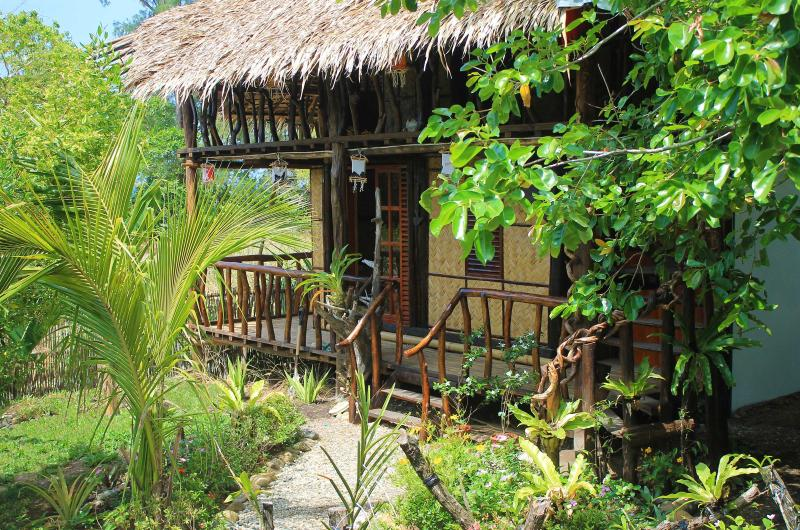 Sibuyan Island  - The BoatHouse (BackPack Lodge 1), vacation rental in Romblon Island
