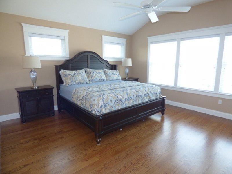 Habitación 4--dormitorio / cama King