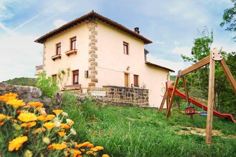 Apartamento Rural Ikastetxea, location de vacances à Pitillas